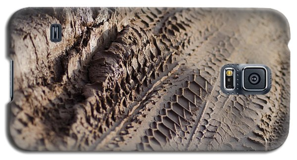 Medium Cu Motorcycle And Car Tracks In Mud Galaxy S5 Case by Jason Rosette
