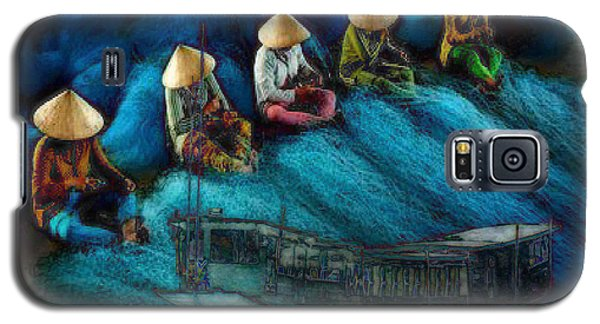 Galaxy S5 Case featuring the painting Mekong Weavers by Mojo Mendiola