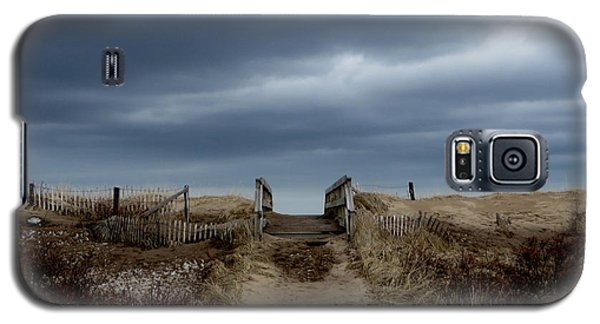 Galaxy S5 Case featuring the photograph Melmerby Beach Boardwalk by Kathleen Sartoris