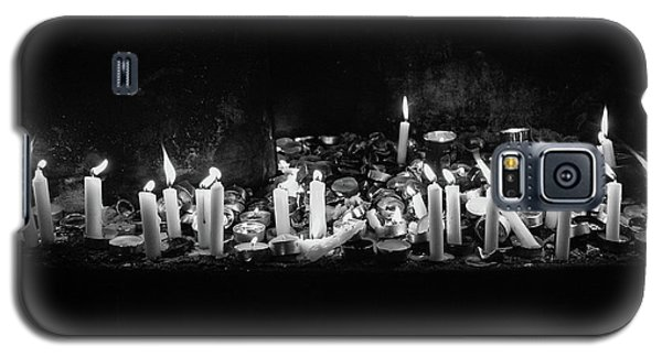 Memorial Candles II Galaxy S5 Case by Yoel Koskas