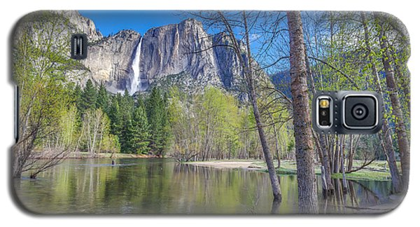 Galaxy S5 Case featuring the photograph Merced River In Spring by Scott McGuire