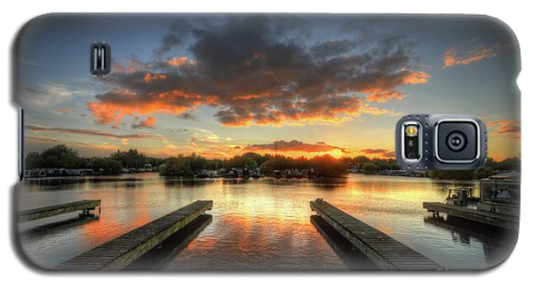 Galaxy S5 Case featuring the photograph Mercia Marina 19.0 by Yhun Suarez