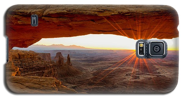 The Sky Galaxy S5 Case - Mesa Arch Sunrise - Canyonlands National Park - Moab Utah by Brian Harig