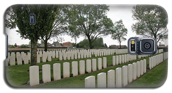 Galaxy S5 Case featuring the photograph Messines Ridge British Cemetery by Travel Pics