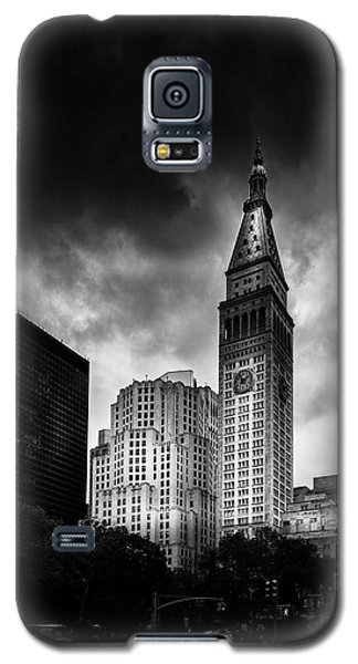 Galaxy S5 Case featuring the photograph Met-life Tower by Marvin Spates