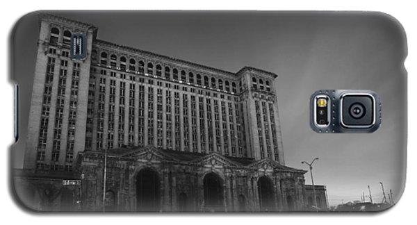 Michigan Central Station At Midnight Galaxy S5 Case by Gordon Dean II