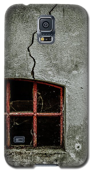 Galaxy S5 Case featuring the photograph Migraine by Odd Jeppesen