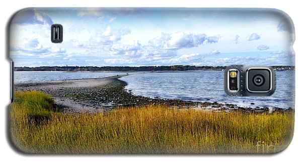 Galaxy S5 Case featuring the photograph Milford Island by Raymond Earley
