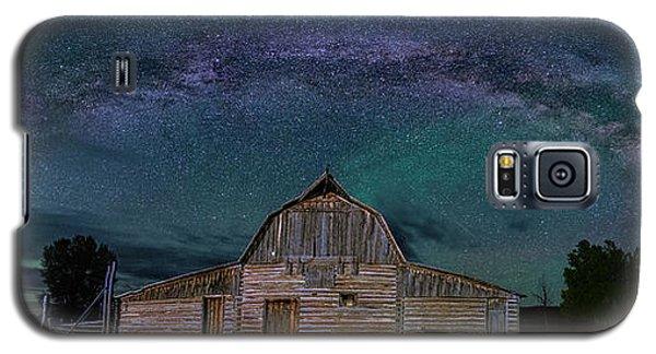 Milky Way Arch Over Moulton Barn Galaxy S5 Case