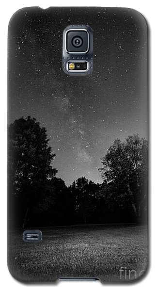 Galaxy S5 Case featuring the photograph Milky Way by Brian Jones