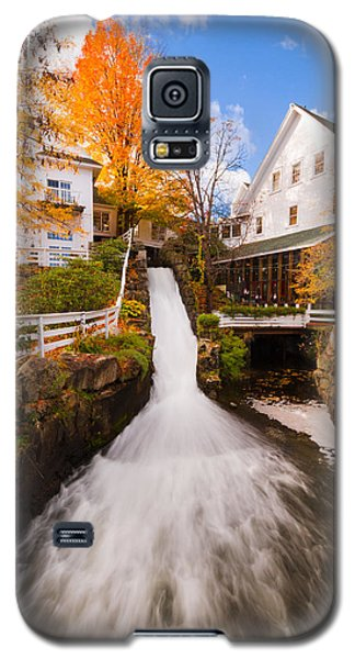 Galaxy S5 Case featuring the photograph Mill Falls by Robert Clifford
