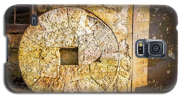 Mill Wheel At The Grist Mill Galaxy S5 Case by Eleanor Abramson