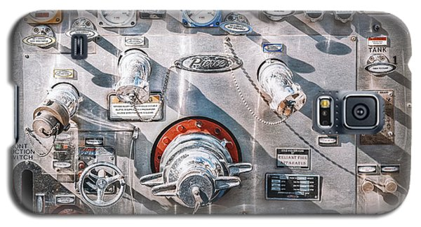 Truck Galaxy S5 Case - Milwaukee Fire Department Engine 27 by Scott Norris