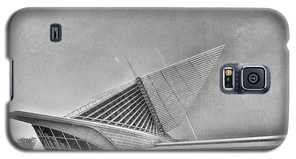 Galaxy S5 Case featuring the photograph Milwaukee Museum Of Art Special 2 by David Haskett