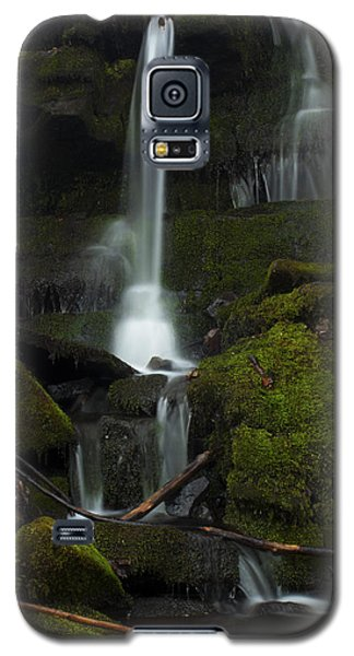 Mini Waterfall In The Forest Galaxy S5 Case