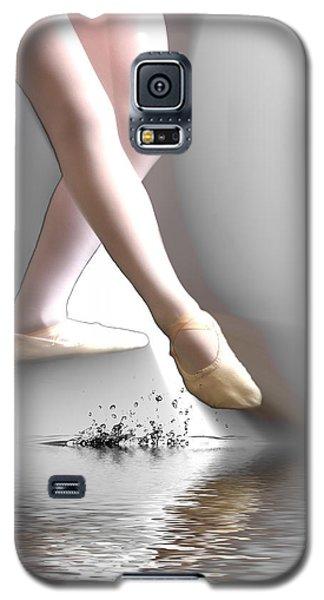 Galaxy S5 Case featuring the digital art Minimalist Ballet by Angel Jesus De la Fuente