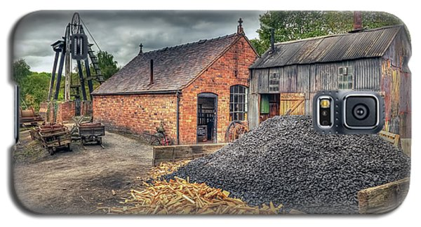 Galaxy S5 Case featuring the photograph Mining Village by Adrian Evans