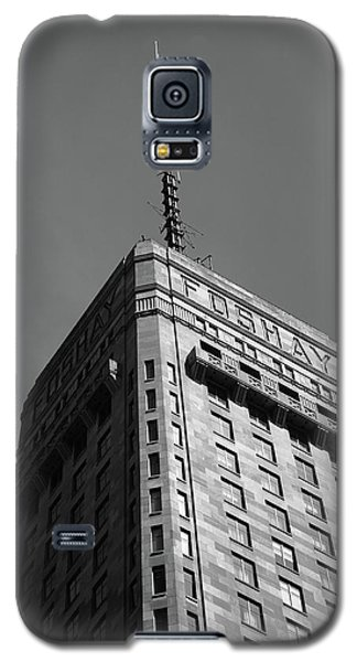 Galaxy S5 Case featuring the photograph Minneapolis Tower 6 Bw by Frank Romeo