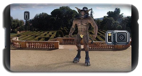 Minotaur In The Labyrinth Park Barcelona. Galaxy S5 Case
