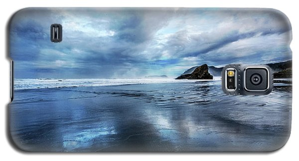 Galaxy S5 Case featuring the photograph Mirror Of Light by Debra and Dave Vanderlaan