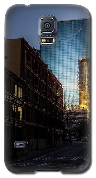Mirror Reflection Of Peachtree Plaza Galaxy S5 Case