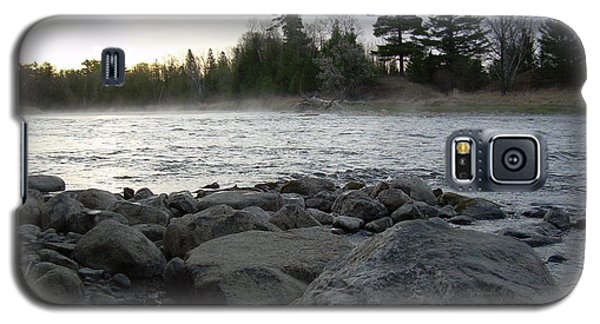 Mississippi River Dawn Over The Rocks Galaxy S5 Case by Kent Lorentzen