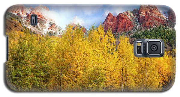 Galaxy S5 Case featuring the photograph Misty Autumn Morning by Andrew Soundarajan