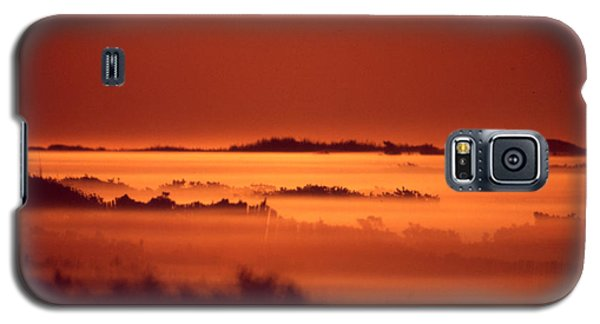 Misty Meadow At Sunrise Galaxy S5 Case