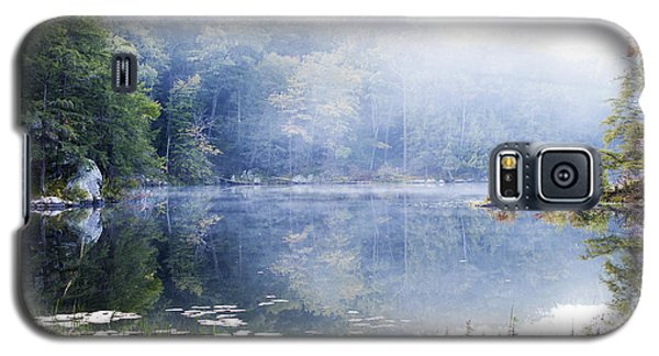 Galaxy S5 Case featuring the photograph Misty Morning At John Burroughs #1 by Jeff Severson