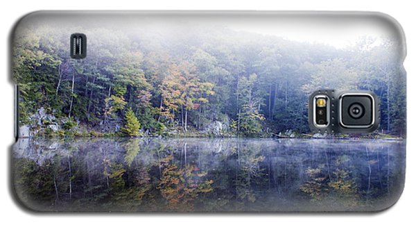 Galaxy S5 Case featuring the photograph Misty Morning At John Burroughs #2 by Jeff Severson