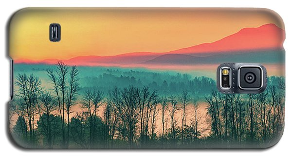 Misty Mountain Sunrise Part 2 Galaxy S5 Case by Alan Brown