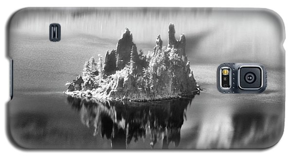 Galaxy S5 Case featuring the photograph Misty Phantom Ship Island Crater Lake B W  by Frank Wilson