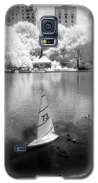 Galaxy S5 Case featuring the photograph Model Boat Lake Central Park by Dave Beckerman