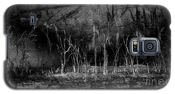 Galaxy S5 Case featuring the photograph Mokoan by Linda Lees