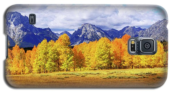 Galaxy S5 Case featuring the photograph Moment by Chad Dutson
