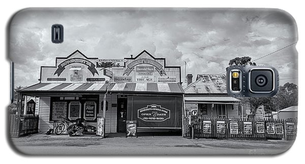 Galaxy S5 Case featuring the photograph Monegeetta General Store by Linda Lees