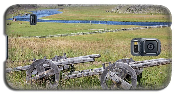 Galaxy S5 Case featuring the photograph Mongolian Ox Carts by Hitendra SINKAR