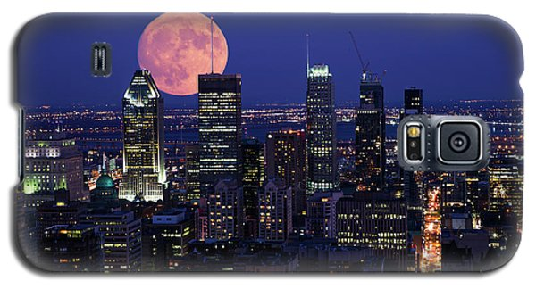 Galaxy S5 Case featuring the photograph Montreal Supermoon by Mircea Costina Photography