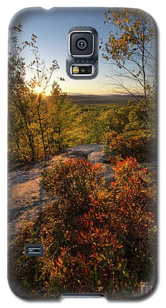 Galaxy S5 Case featuring the photograph Monument Hill Sunset, Leeds, Maine #70047-49 by John Bald