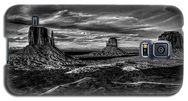 Monument Valley Views Bw Galaxy S5 Case