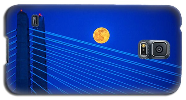 Moon Over A Bridge Galaxy S5 Case by Jerry Cahill