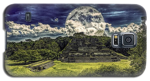 Moon Over Mayan Temple Two Galaxy S5 Case by Ken Frischkorn