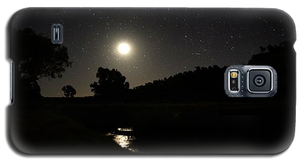 Galaxy S5 Case featuring the photograph Moon Set Over Palm Valley 2 by Paul Svensen