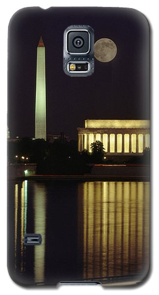 Moonrise Over The Lincoln Memorial Galaxy S5 Case