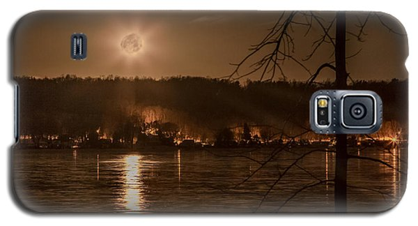 Moonset On Conesus Galaxy S5 Case by Richard Engelbrecht