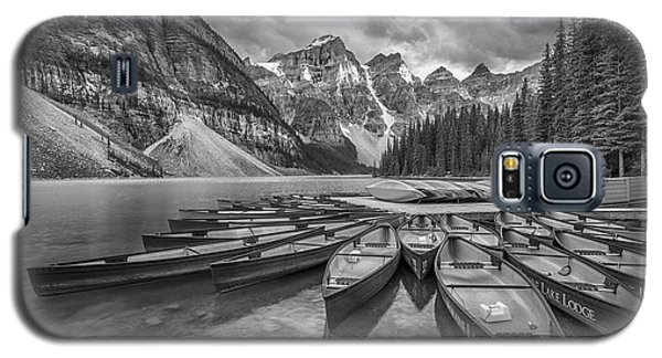Moraine Lake In Black And White Galaxy S5 Case