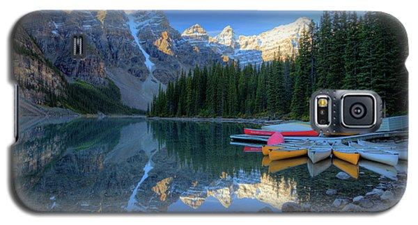 Moraine Lake Sunrise Blue Skies Canoes Galaxy S5 Case