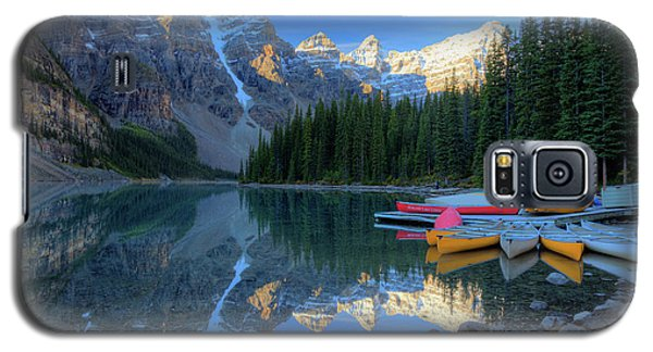 Moraine Lake Sunrise Blue Skies Canoes Galaxy S5 Case