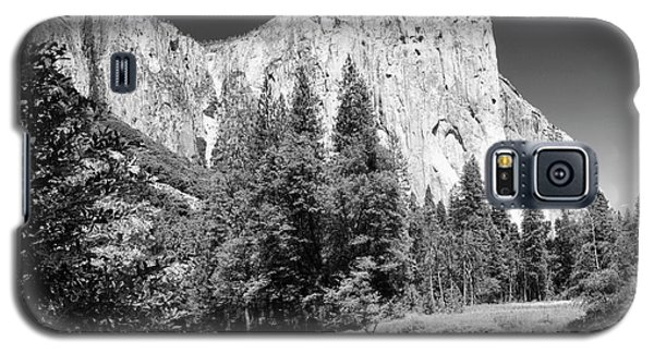 Galaxy S5 Case featuring the photograph Morning At El Capitan by Sandra Bronstein