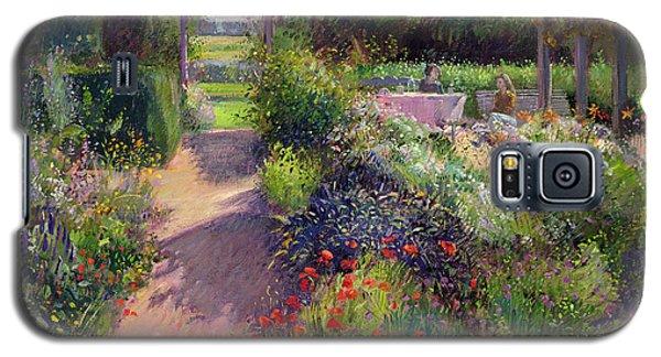 Garden Galaxy S5 Case - Morning Break In The Garden by Timothy Easton